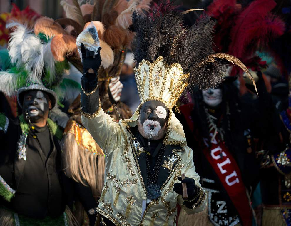 Live updates: Krewes, costumes, coconuts can only mean one thing: It must be Mardi Gras _lowres