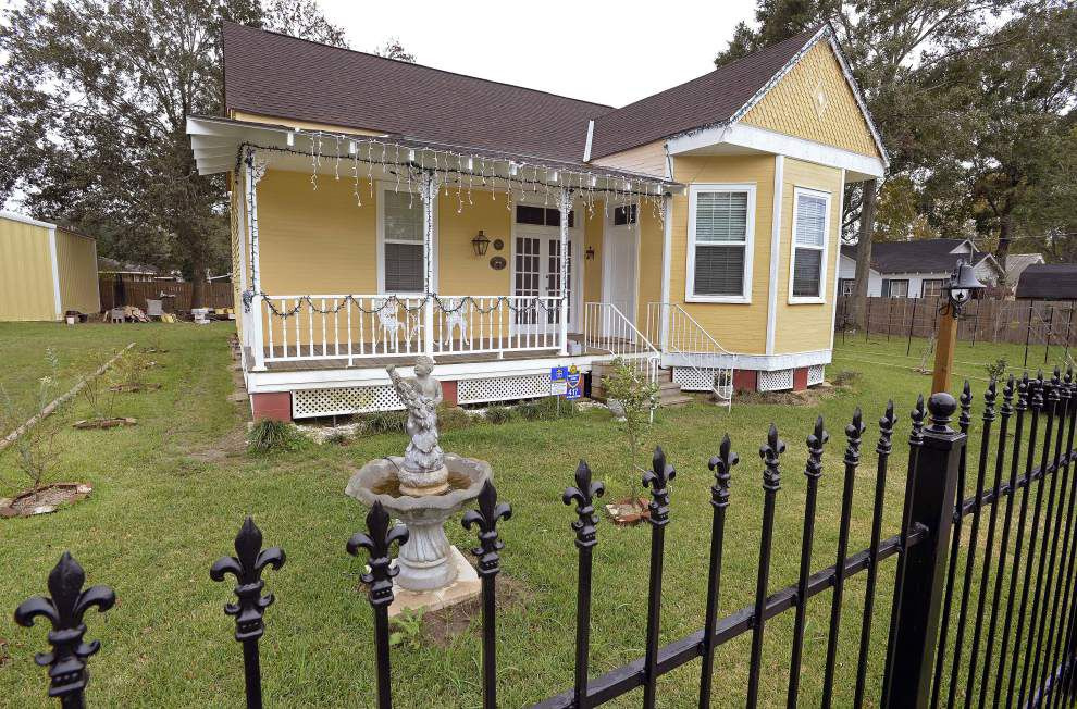 With vision, hard work, couple restores old Gonzales home, hopes to turn it into winery _lowres