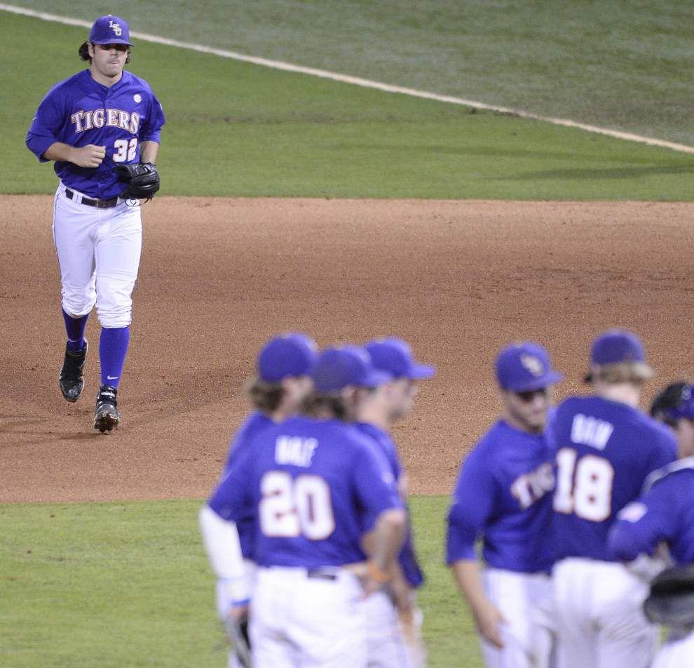 Auburn ace Keegan Thompson quiets LSU's bats in 6-1 win _lowres