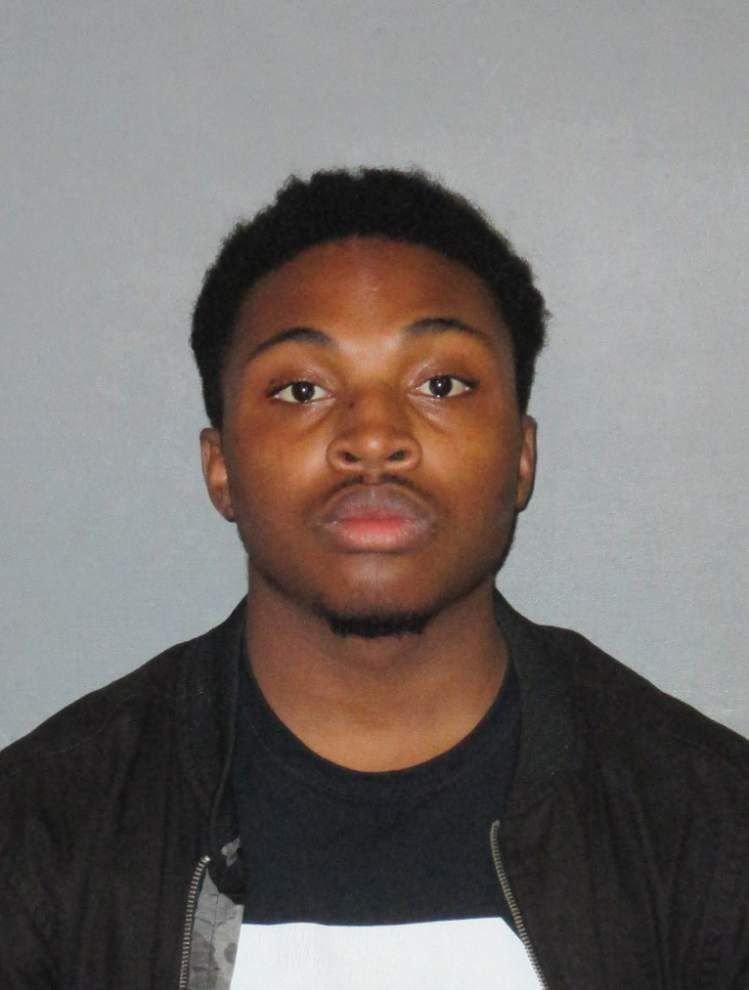 Teen booked in L'Auberge Casino armed robberies said to be nervous, 'almost like this was his first time attempting this' _lowres