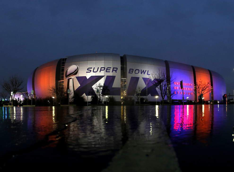 Will the New England Patriots or Seattle Seahawks win the Super Bowl? Find out which team our staff writers picked — and why _lowres