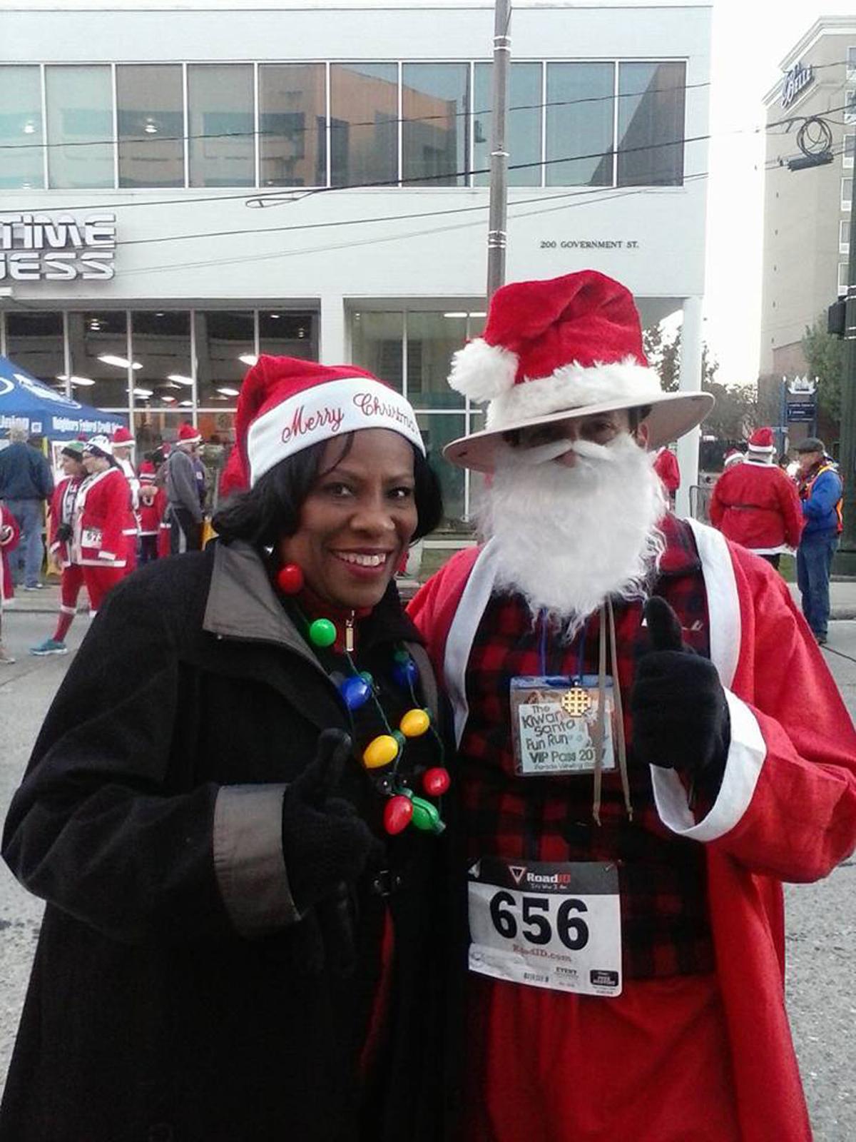 Keith Mayor Broome Santa Run Dec 9 2017.jpg