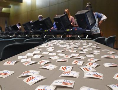 earlyvoting.103118_HS_044