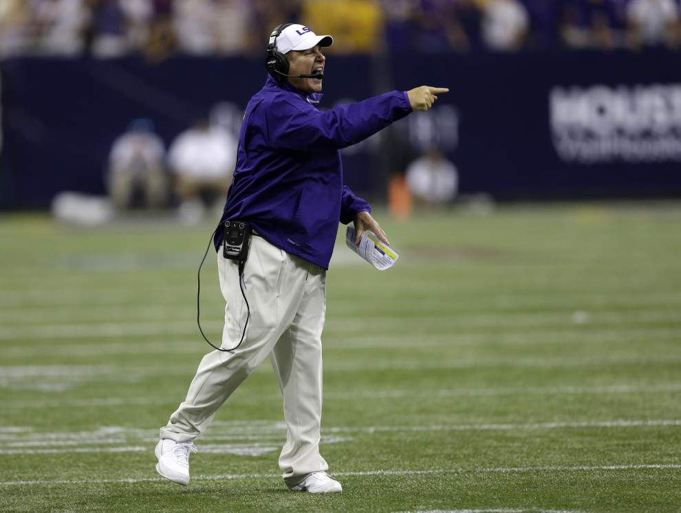 LSU coach Les Miles says Malachi Dupre healthy; four suspended LSU players to return _lowres