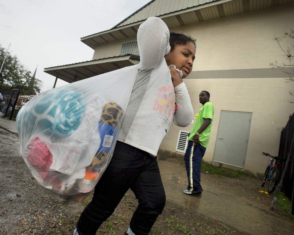 Volunteers show reason for season, help with Baton Rouge Society of St. Vincent de Paul's annual Christmas Day lunch _lowres