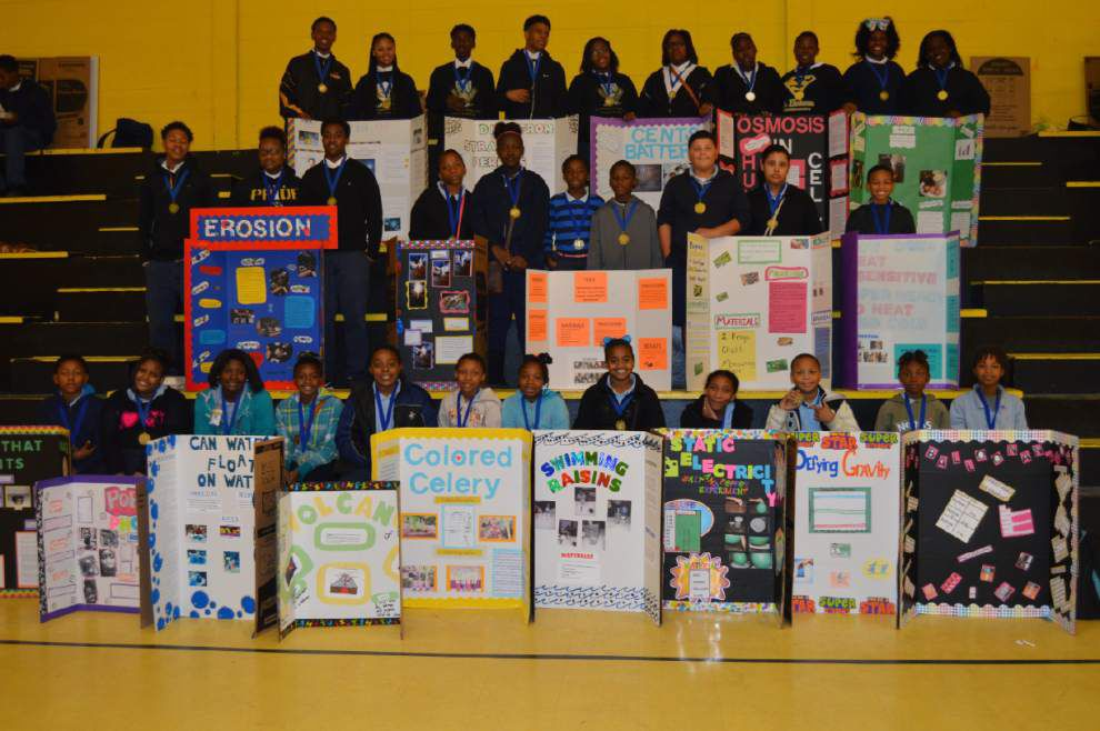 Science fair winners advance rounds _lowres