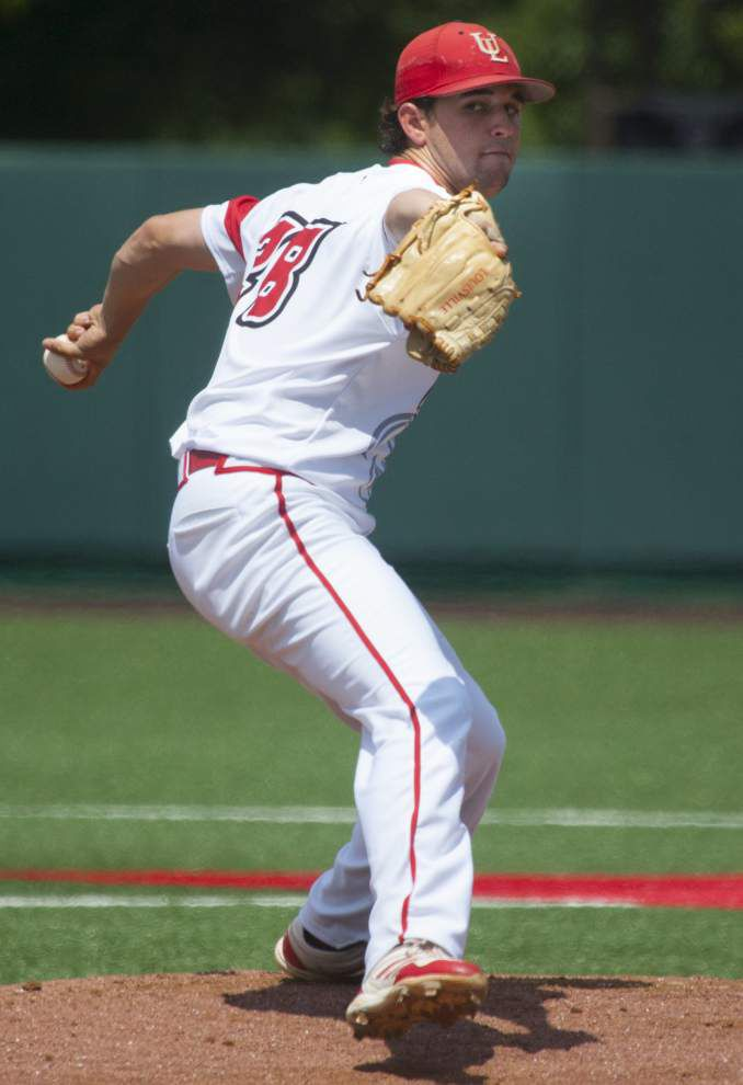 Ragin' Cajuns rally for more late-game magic, stun host Houston 2-1 to move a win away from the super regional round _lowres