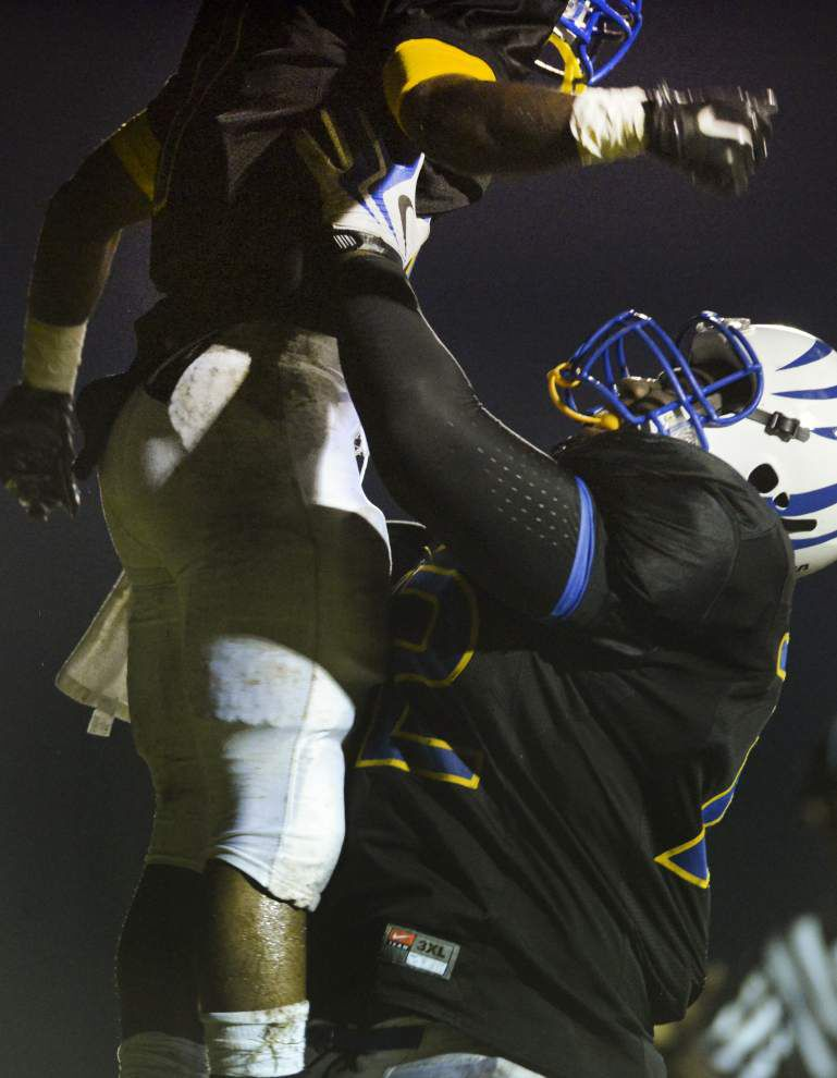 East Feliciana lineman Tra'Vontae Booker commits to Cajuns _lowres