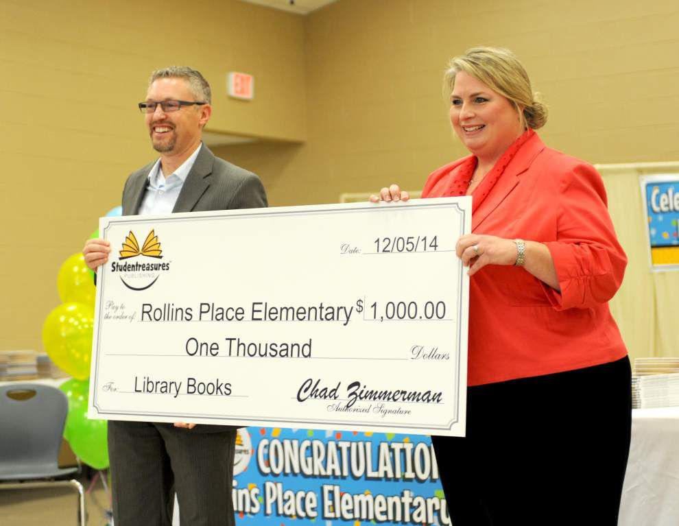 Student-authors celebrated during assembly at Rollins Place Elementary _lowres