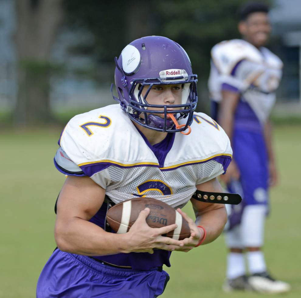 Opelousas Catholic makes up for lack of size with quickness, physical play _lowres