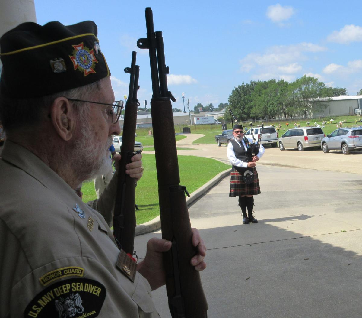 Memorial Day program includes bagpipes, songs, moments of