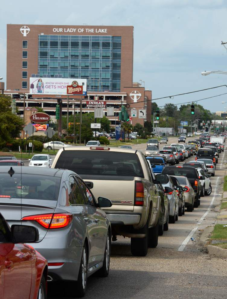 Essen Lane changes designed to help tame traffic of 55,000 vehicles a day, but work will add to the problem for a while _lowres