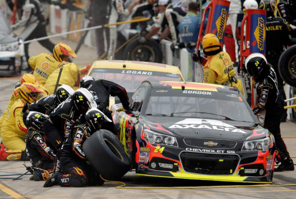 Jeff Gordon gets first win at Michigan since 2001 _lowres