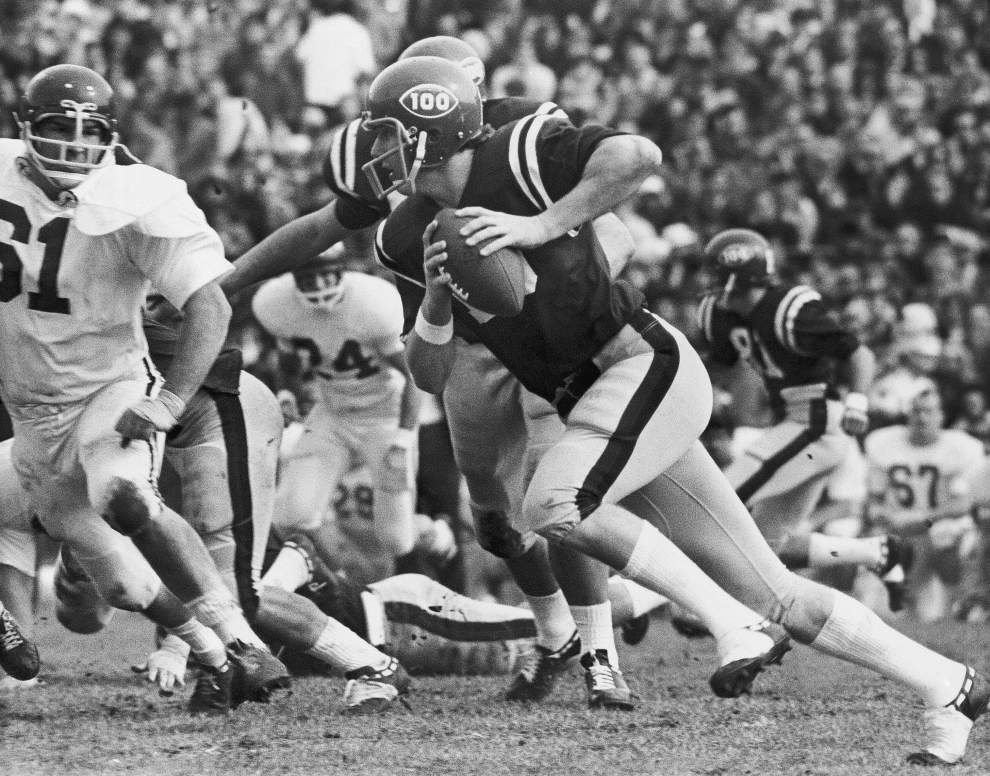 Ted Lewis: Ole Miss legend Archie Manning savors good times at the Sugar Bowl _lowres