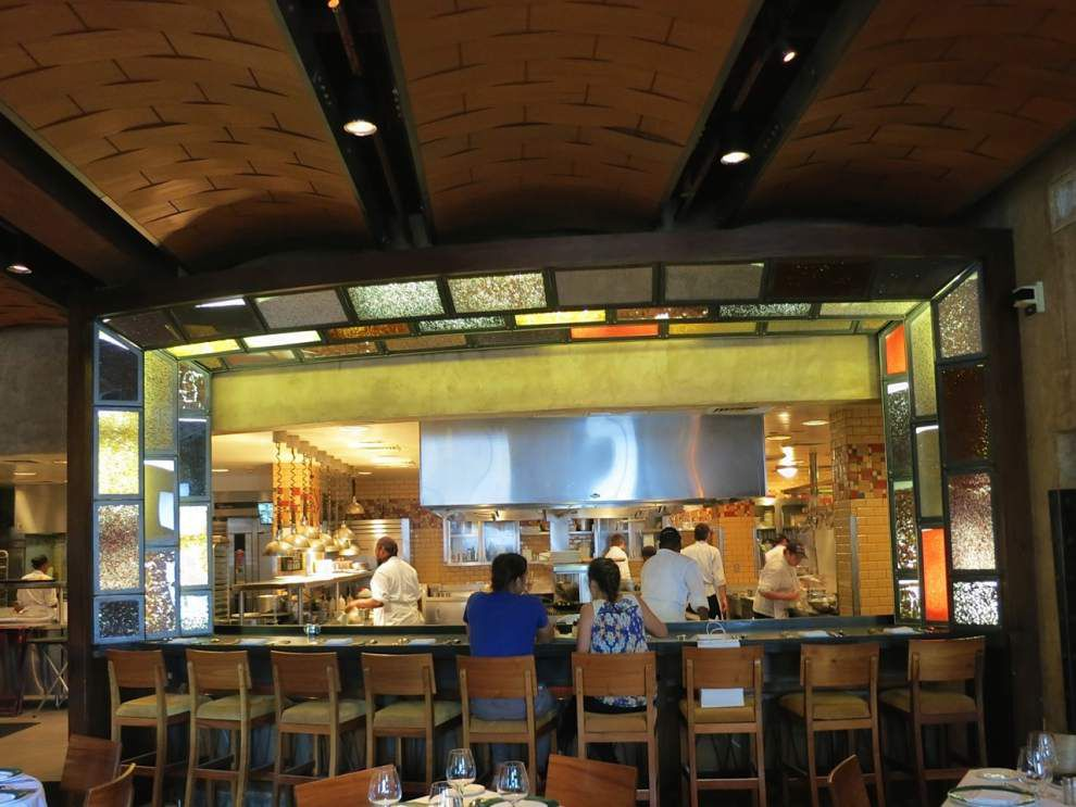 Restaurants roll out dining deals, during hot summer months _lowres