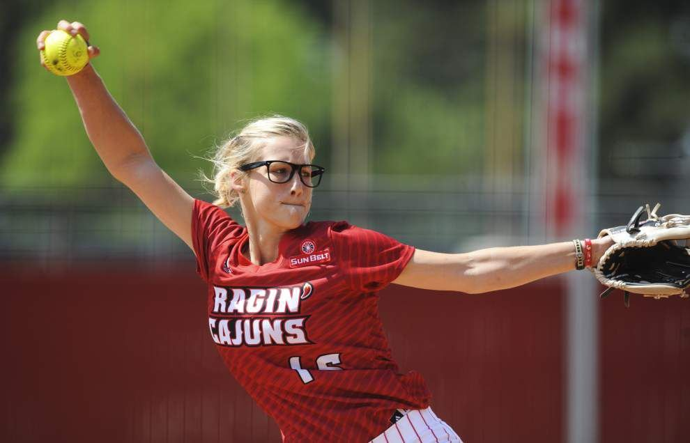 Cajuns softball team trounces Troy 12-2 to claim Sun Belt series _lowres