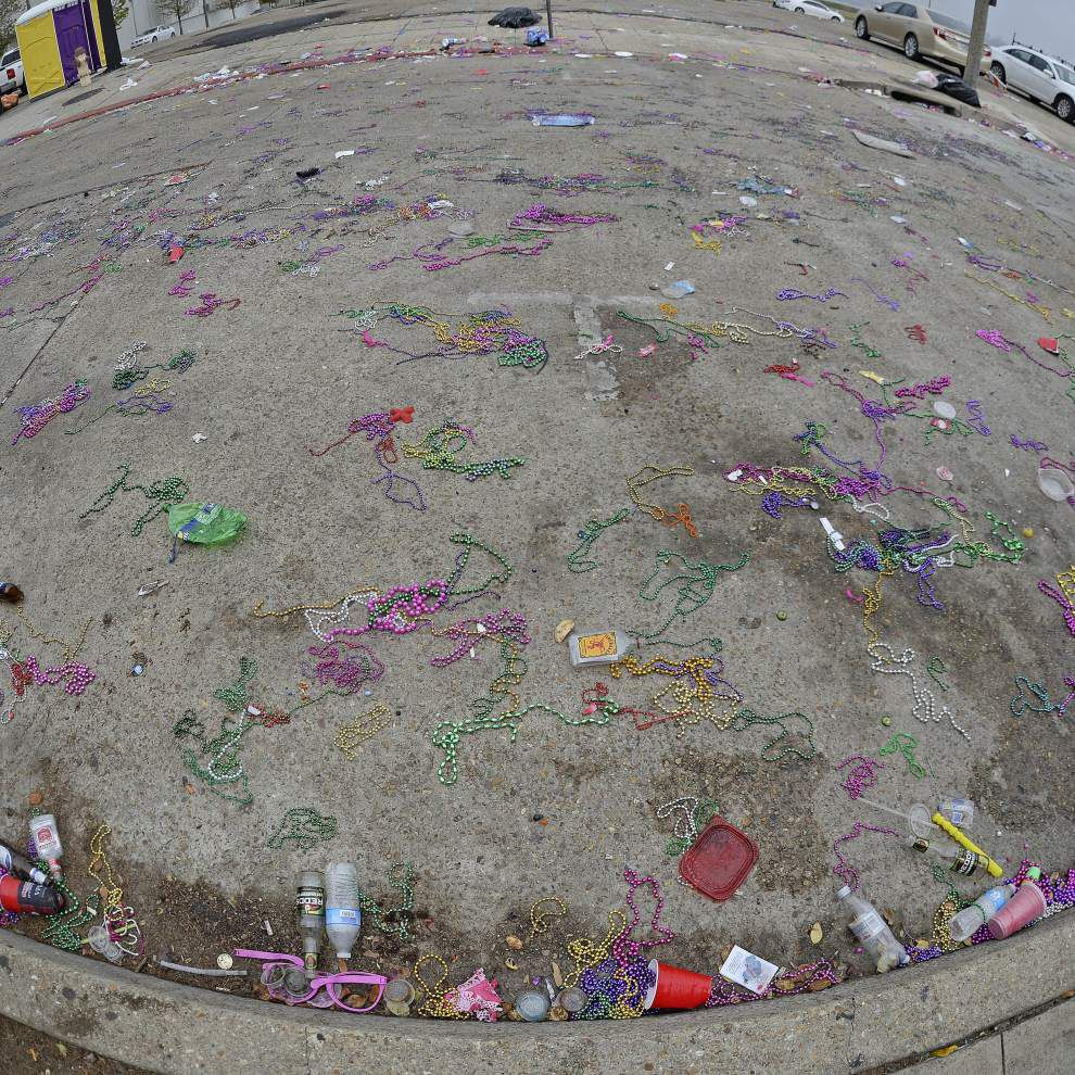 The cleanup begins: City-parish crews, inmates sweep up remains of Spanish Town Parade _lowres