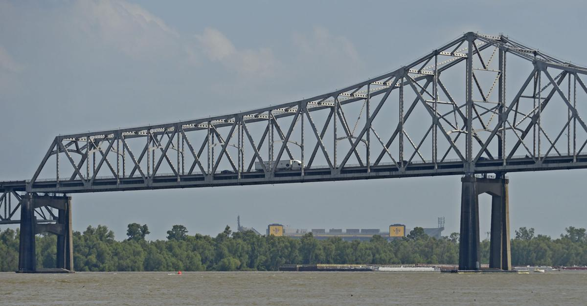 s See how Mississippi River looks from different Baton Rouge