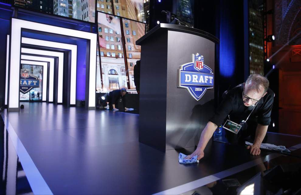 2016 NFL Draft live updates: Keep up with all Round 2 & 3 selections _lowres