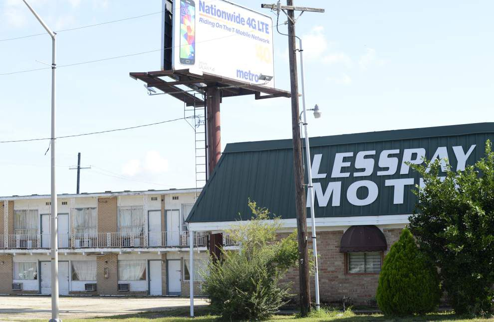 Plans for Lafayette's Lesspay Motel, old courthouse inching slowly forward _lowres