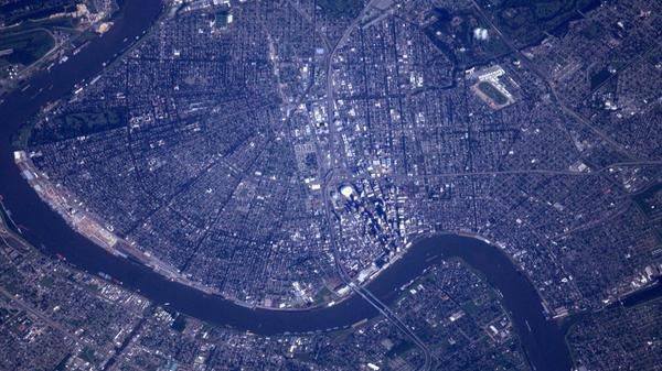 This is what New Orleans looks like from space_lowres