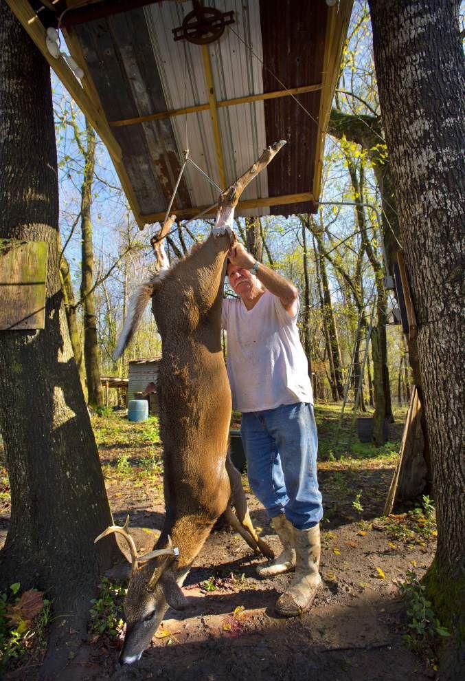 Notebook: Hunters battle water everywhere _lowres