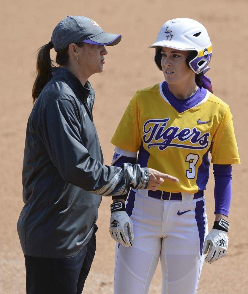 LSU softball team sweeps Ole Miss behind freshmen pitchers Carley Hoover, Allie Walljasper _lowres