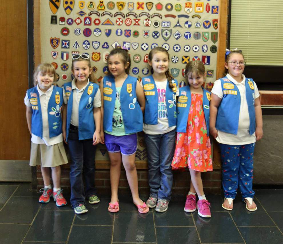 Girl Scout Daisies visit Jackson Veterans Home _lowres