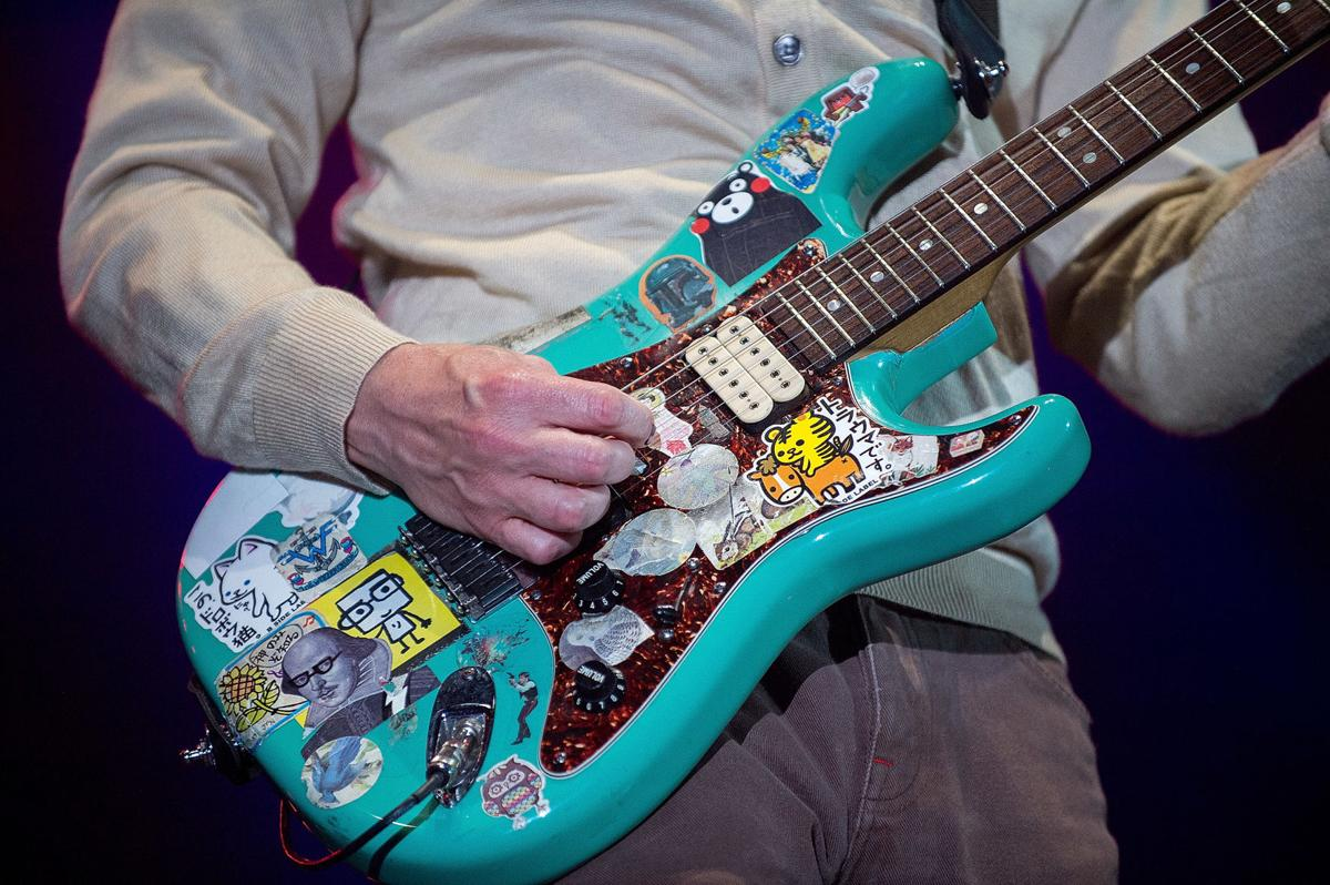 Weezer Pixies Turned The Guitars Way Up At Champions Square In New