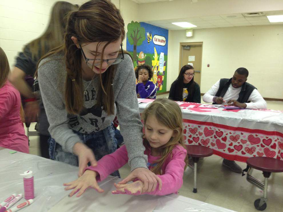 Groups help students make good choices _lowres
