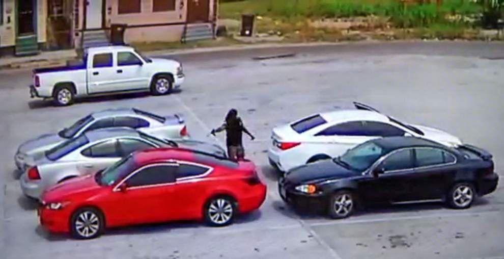 Surveillance video shows shooting in Melba's Restaurant parking lot that results in man's death _lowres