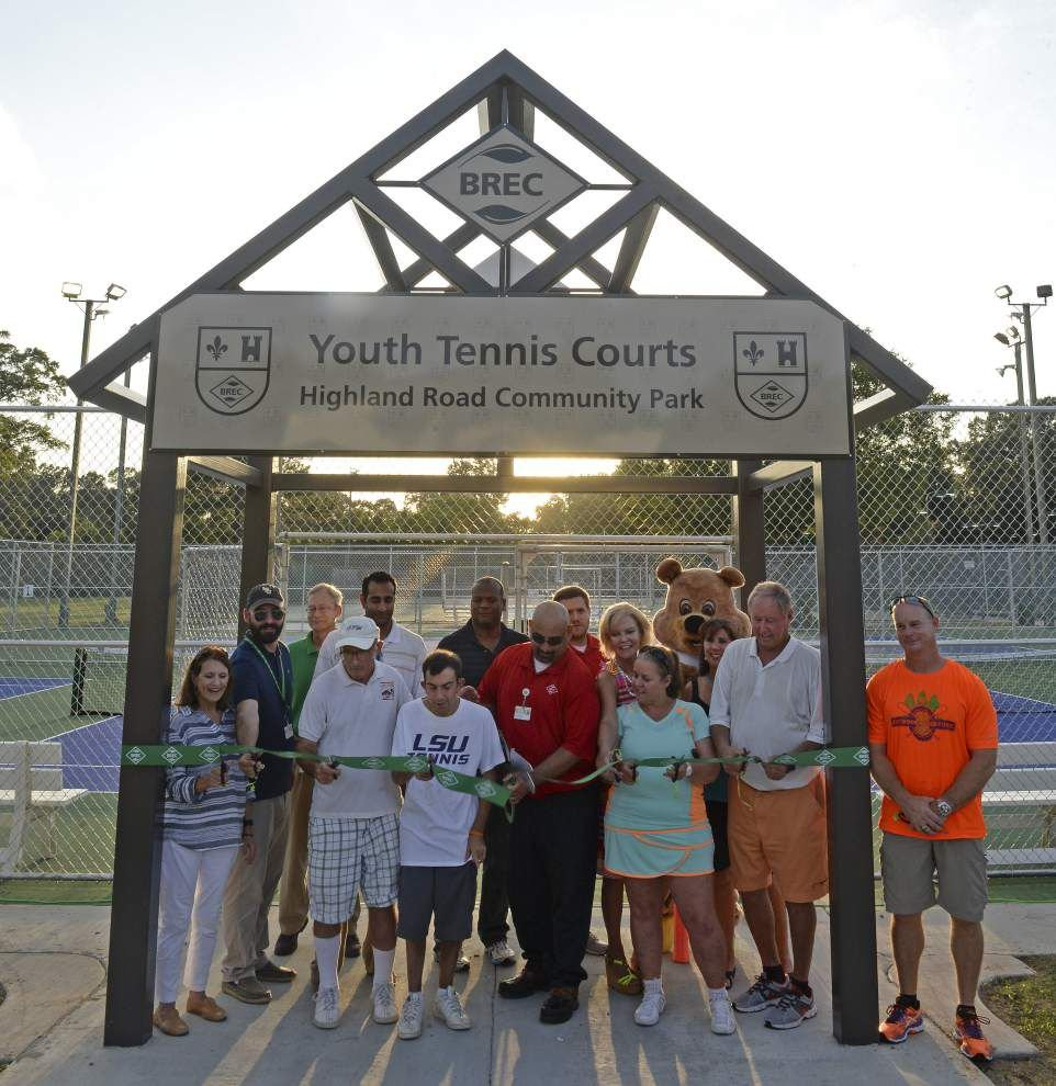 Photos: Kids, Parents enjoy new youth tennis courts, splash pad at Highland Road Park _lowres