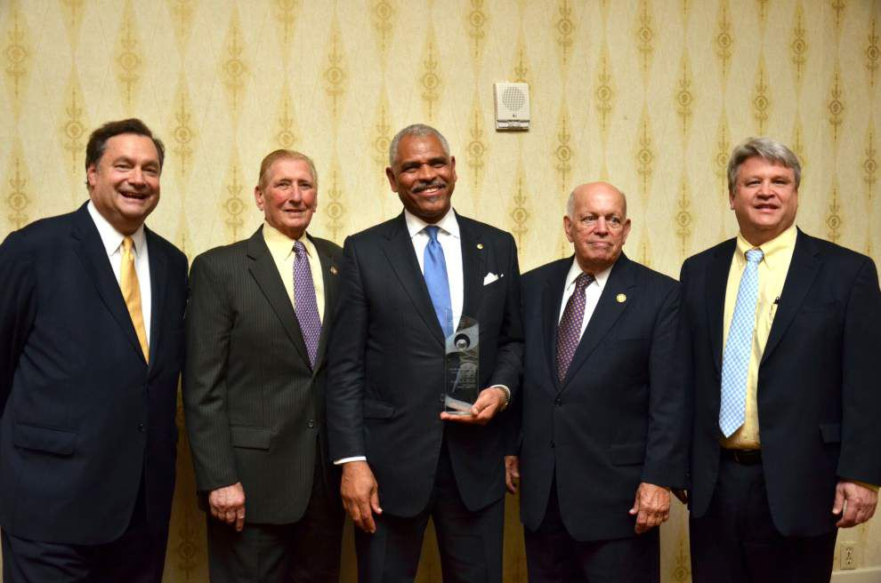 Propeller Club honors its maritime person of the year _lowres