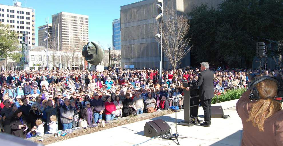 Evangelist Franklin Graham urges Baton Rouge crowd to pray for America at downtown rally _lowres