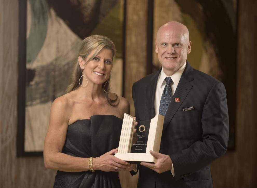 TV's Whitney Vann receives Golden Deeds award _lowres