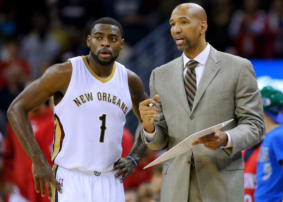 Pelicans' Tyreke Evans (deep bone bruise in his left knee) is questionable for Monday's Game 2 at Golden State _lowres