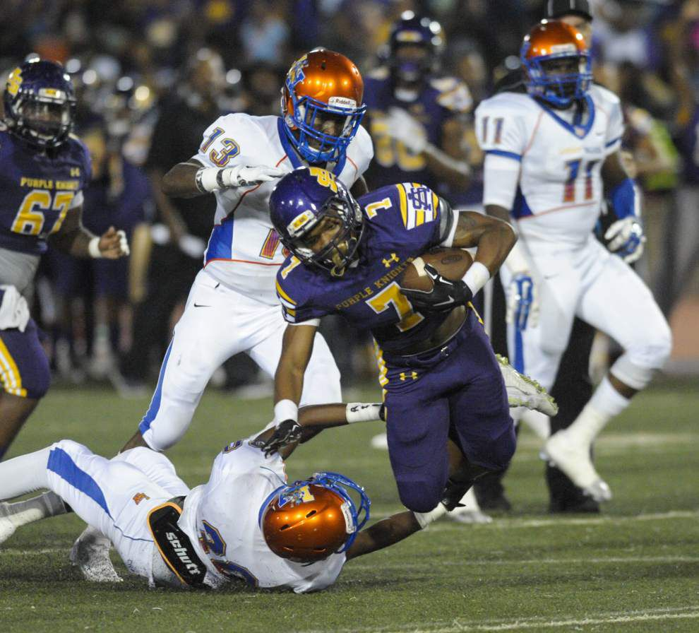 Tevin Bush fills in at quarterback to lead Landry-Walker past St. Augustine _lowres