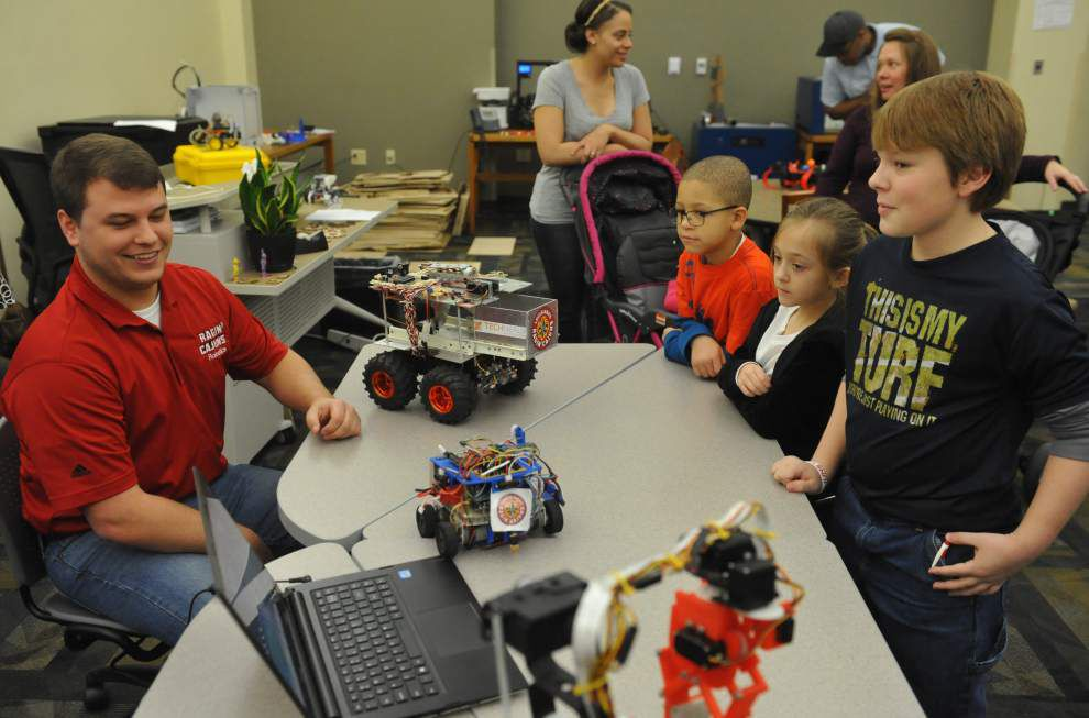 Lafayette area students strut their robotics stuff as part of library event _lowres
