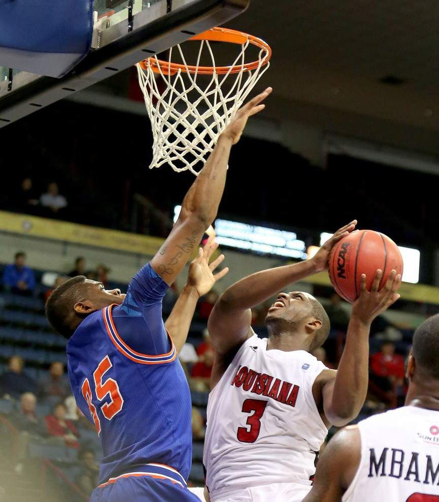 Photos: The Cajuns take on UT-Arlington _lowres