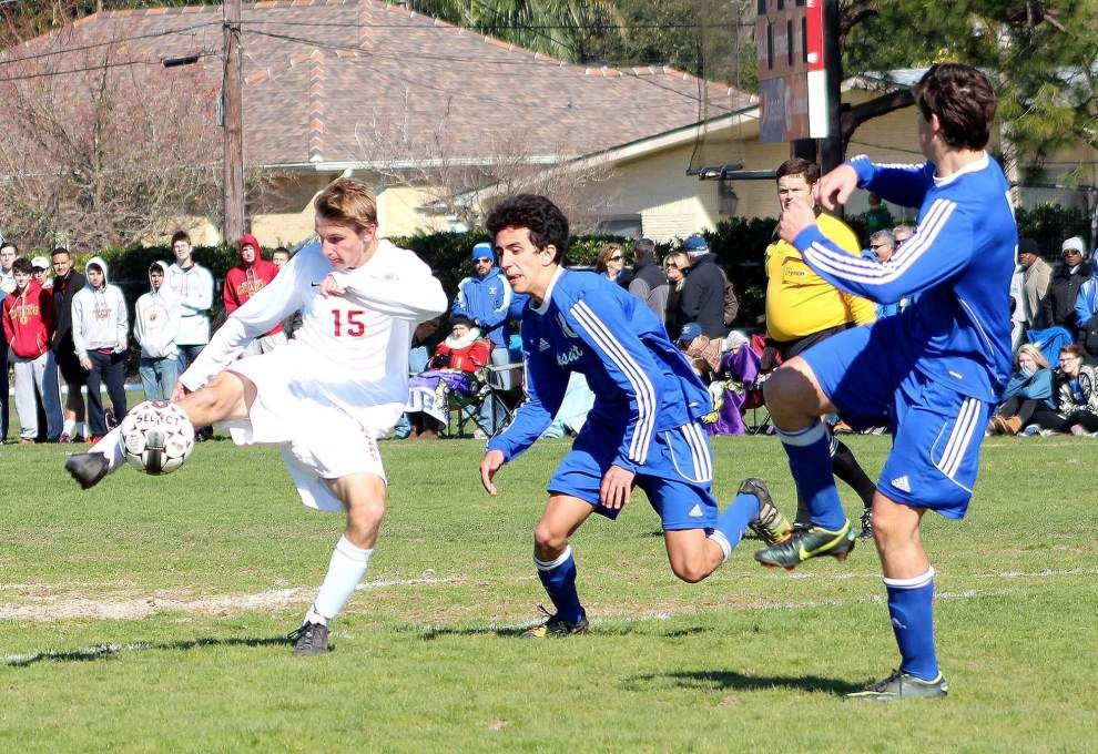 Christopher Pitre's long free kick gives Jesuit win over Brother Martin _lowres