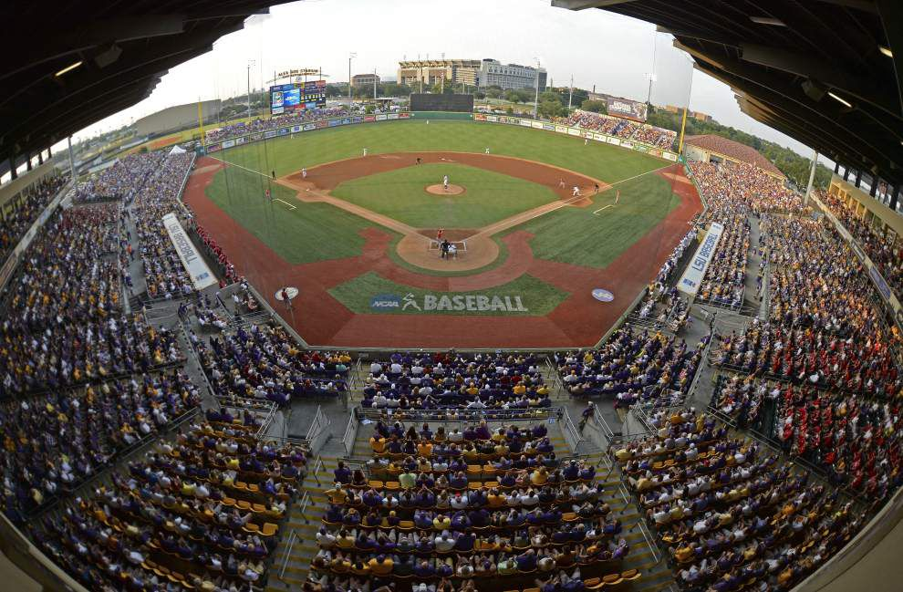 Sciam-Wow! Photos from LSU's stunning Game 1 super regional win vs. UL-Lafayette _lowres