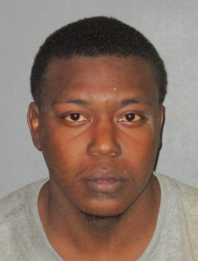 Baton Rouge man mugs victim, steals his car, leads police on chase before being arrested Saturday _lowres