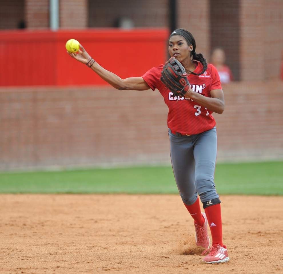Ragin' Cajuns begin softball regional the way they always do: strong up the middle _lowres