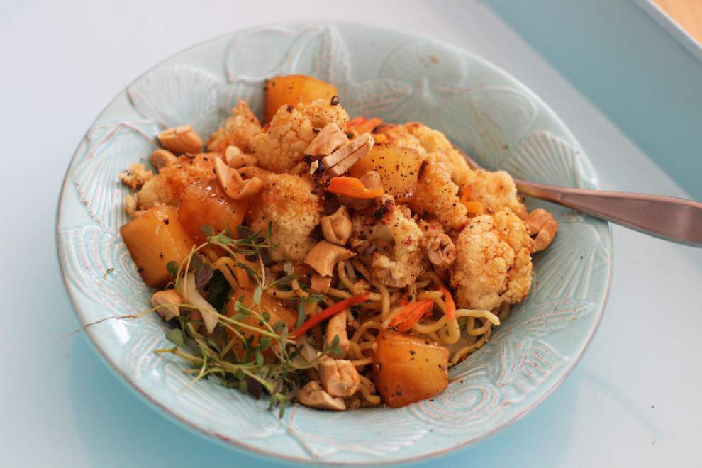 Sweet-and-Sour Cashew Cauliflower _lowres