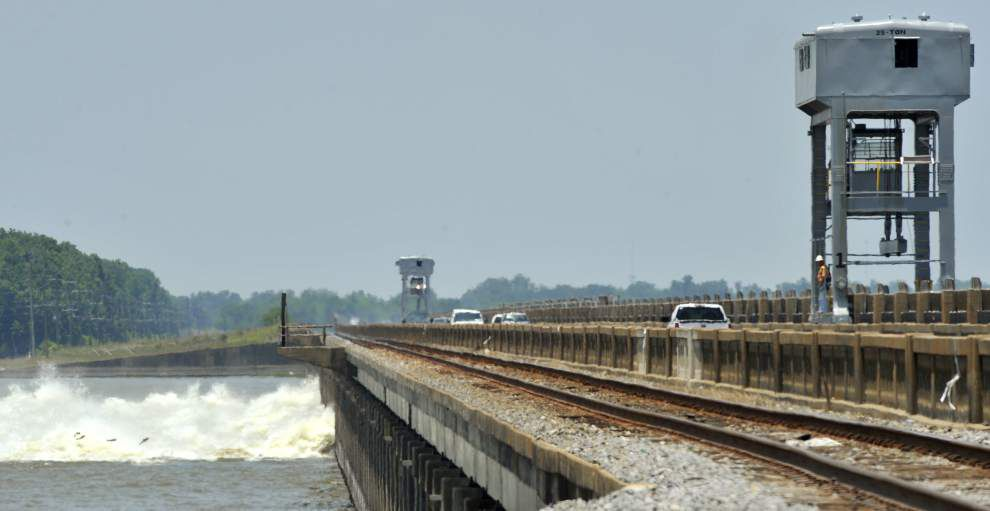Changes pending on operating Morganza floodway structure _lowres