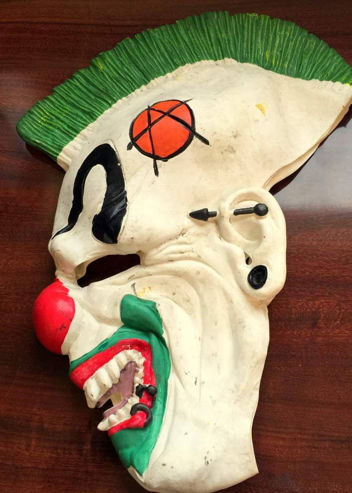 Clown mask can't hide robbery suspects from the St. Bernard Sheriff's Office _lowres