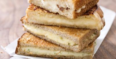 Grilled Cheese with Cheddar and Shallot
