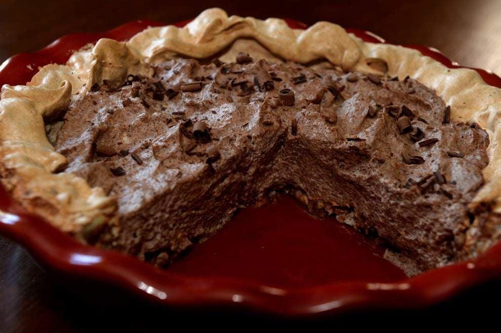 Chocolate Angel Pie _lowres