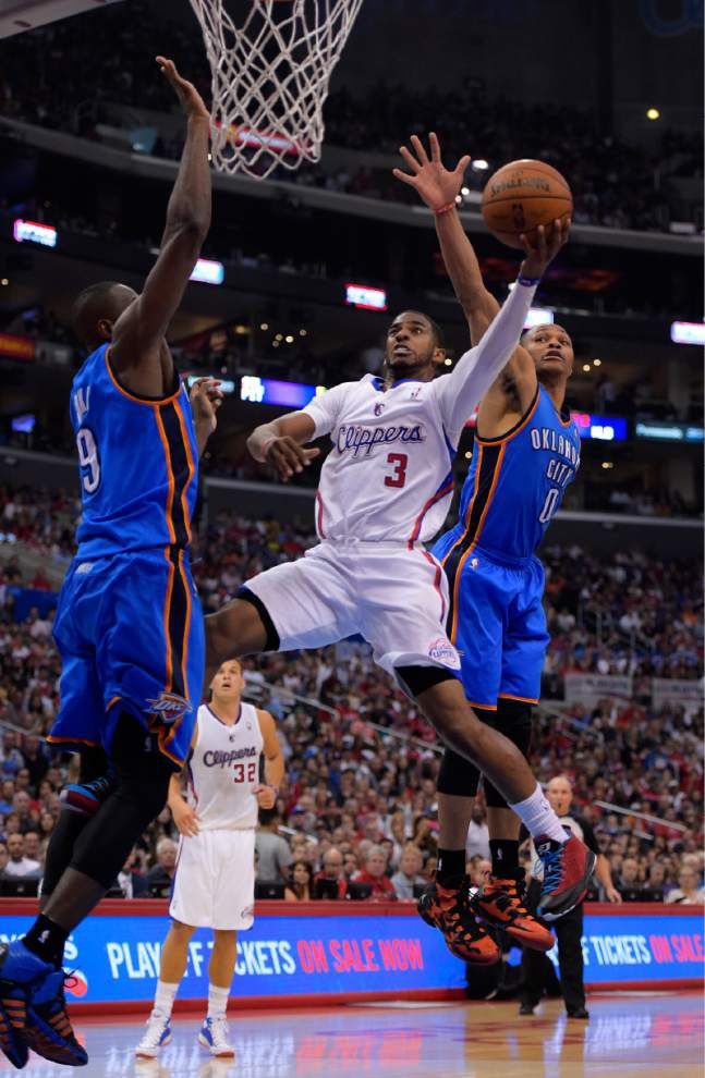 Clippers stun Thunder to tie series _lowres