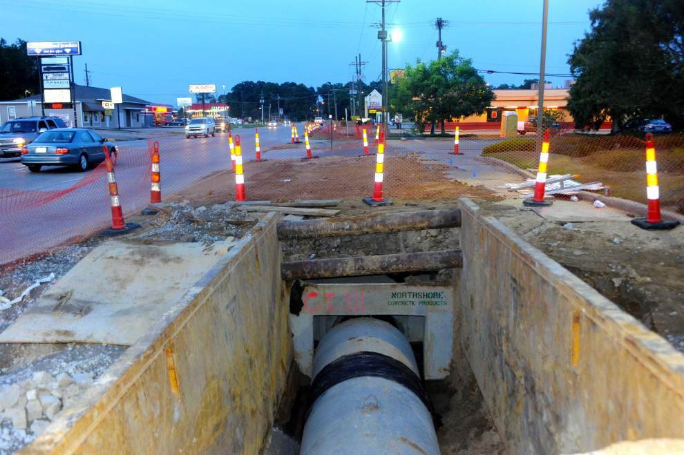 Road-widening, roundabout work continues in Zachary _lowres